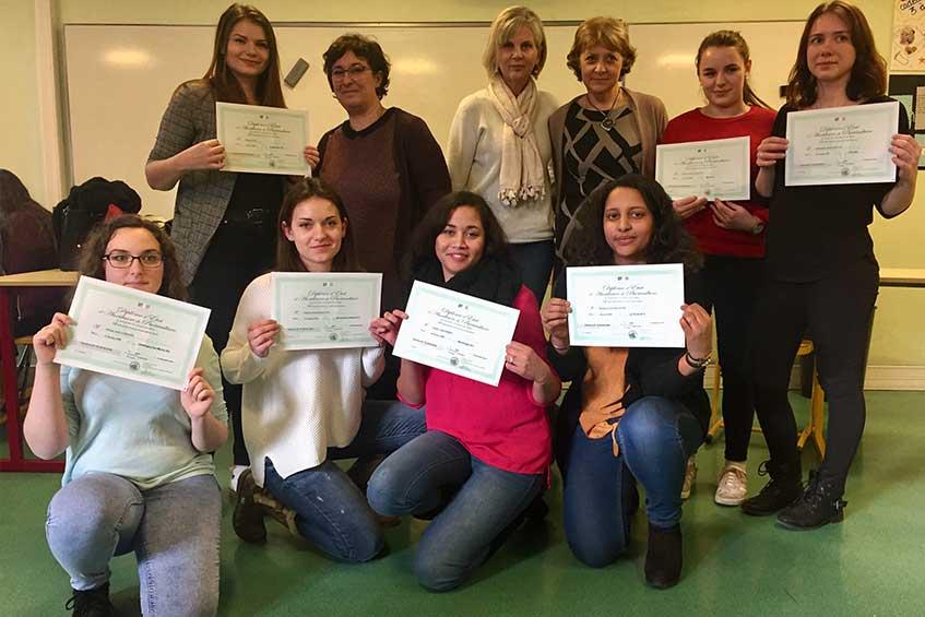 Félicitations aux auxiliaires de puériculture diplômées